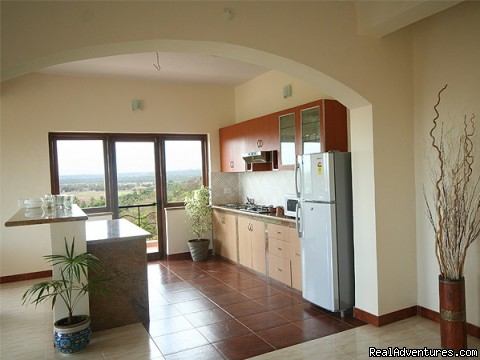 Kitchen - 4 bed/ 4bath Luxury Apartment with panoramic Views