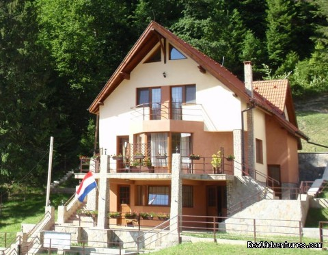 Villa Casa Olandeza Brasov mountain holiday house