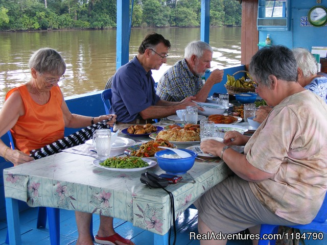 Mahakam River Cruise - Borneo Tour Guide
