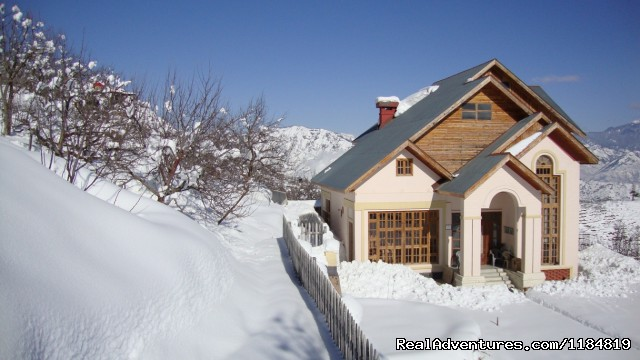 Dwarika Residency shelapani shimla hills: Winters at Dwarika