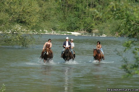 Farmstay in Abruzzi National Park,  south of Rome: Horseback riding along the Liri Riva in Abruzzo