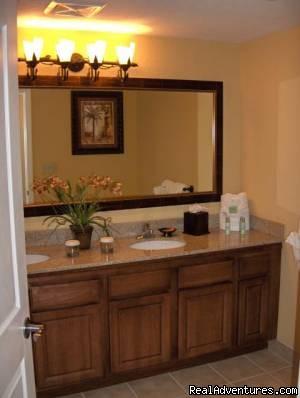 Guest bath - Floridays Resort Orlando
