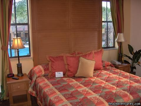 Master Bedroom - Floridays Resort Orlando