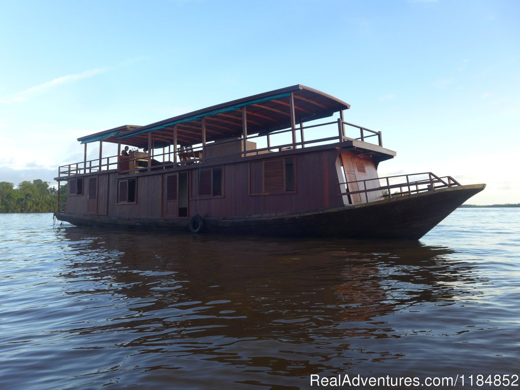 Orangutan cruises in comfortable live aboard traditional boats along Borneo forested rivers.Visit famed orangutan parks, explore Dayak villages and meet the people. Our ecotourism approach protects the evironment and creates alternative jobs.