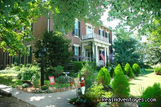 1851 Historic Maple Hill Manor Bed & Breakfast Bed & Breakfasts Springfield, Kentucky