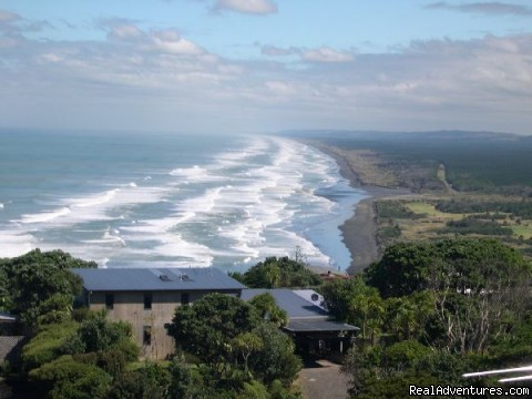 Muriwai Beach Surf Forecast and Surf Reports