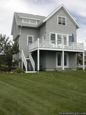 4 bedroom 3 bath deckside with view of beach - Oceanfront home on Npts 1st Beach Cliff Walk View