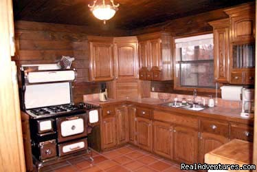 Full kitchens - Broken Bow Lake Cabins mins from Beavers Bend, OK