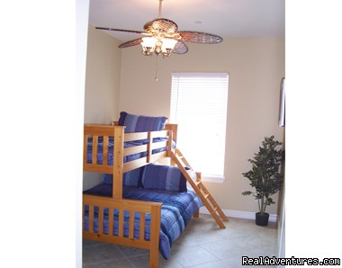 2nd bedroom - South Padre Vacation Condo- April and May Specials