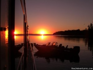 Rainy Lake Houseboats  premier houseboat rentals International Falls, Minnesota Sailing & Yacht Charters