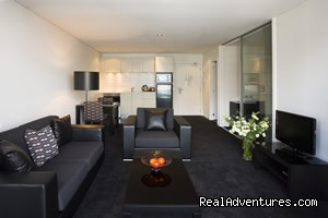 Spacious lounge & seating areas - Stadium Waldorf Apartments Hotel Auckland