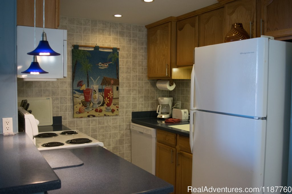 Full size kitchen appliances | Image #3/4 | Maui Condo,Sandy Beach,Oceanfront Vacation Rental