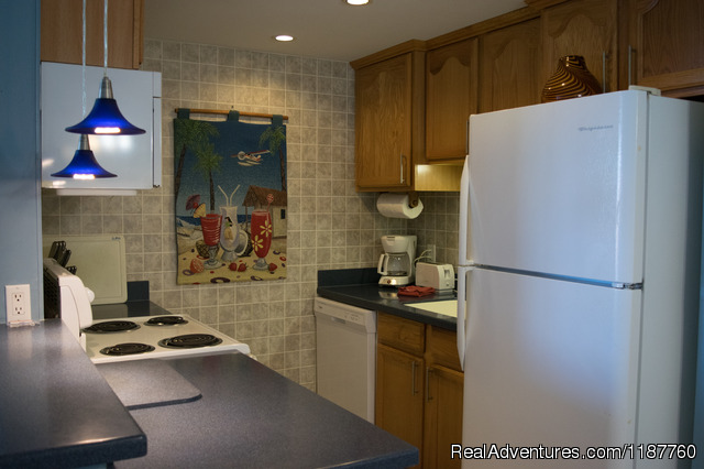 Full size kitchen appliances - Maui Condo,Sandy Beach,Oceanfront Vacation Rental