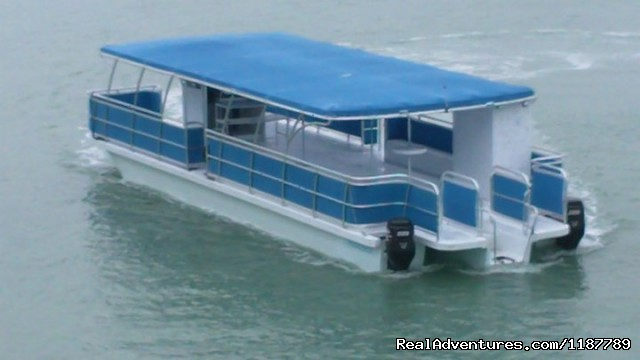 Party Boat Rentals on Lake Lewisville, TX 50' X 16' 'See Breeze 2' Tritoon Motor Catamaran