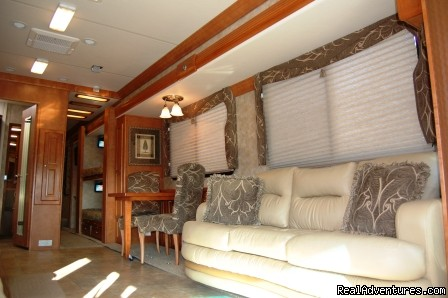 Crescendo Interior - Luxury and Economy RV Rentals in Nashville, TN