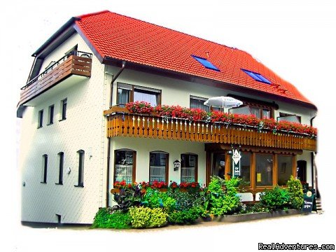 "Welcome to our traditional guesthouse ""zur Linde� in Dobel. Our house already exists since the late 18th century and is run by our family for four generations. Be our guest and enjoy Swabian flair in midst of a cosy Black Forest atmosphere."