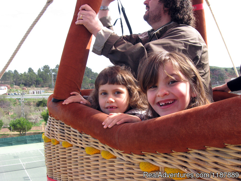 Kids on board a balloon flight