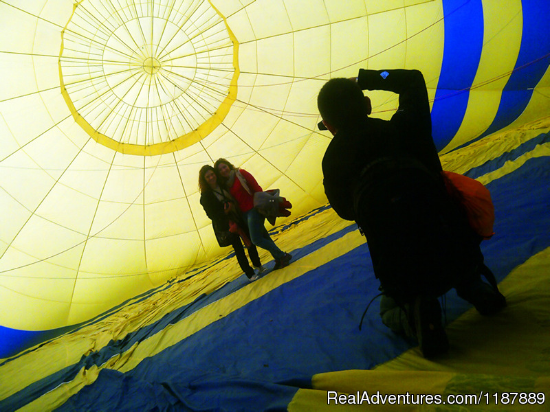 Taking pictures inside the balloon