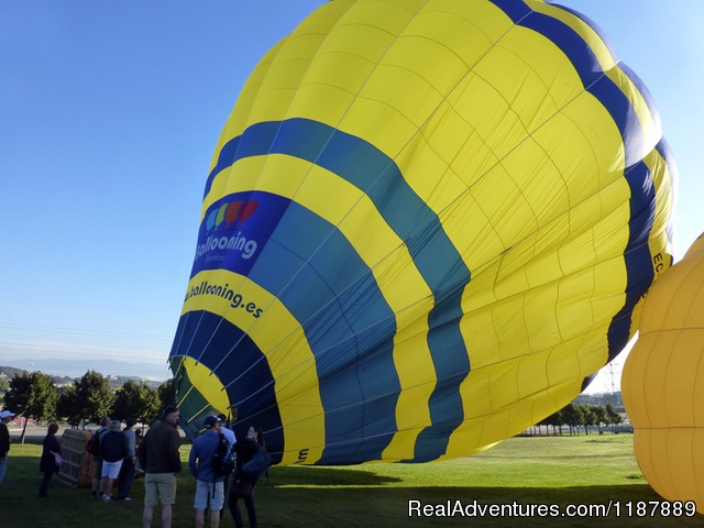 Hot air balloon inflation - Hot air balloon flights from Barcelona, Spain