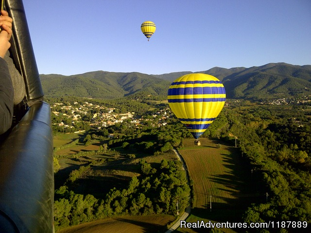 Balloons floating in the air near Barcelona (#11 of 21) - Hot air balloon flights from Barcelona, Spain