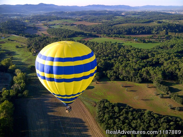 Hot air balloon flights from Barcelona, Spain Flying over esmerald valley near Barcelona