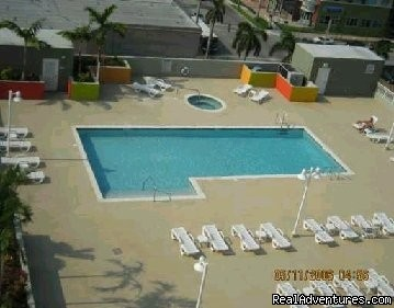 Pool Deck & Spa - Miami Condo Rental w/ Pool near South Beach