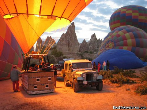 Daily Cappadocia And Balloon Tours