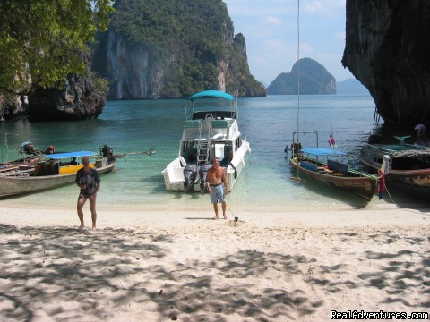Diving at Phi Phi in Krabi, Thailand - Scuba Diving In Krabi Thailand