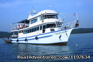 Big Boat Diving Tours in Krabi, Thailand - Scuba Diving In Krabi Thailand