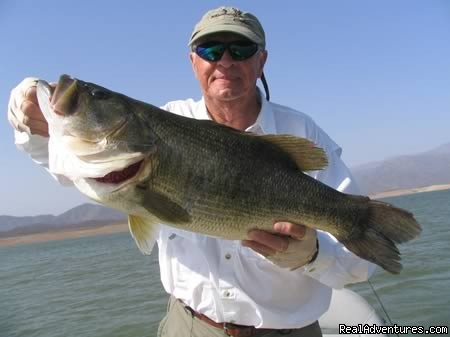 Mexico Bass Fishing Adventures: Lake Baccarac Bass Fishing