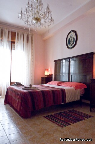 Il PESCO, a Mediterranean Style Apartment Classic Style Bedroom
