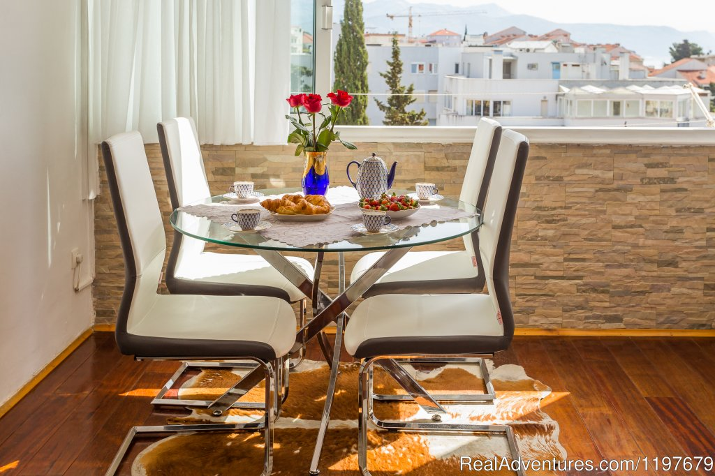 Dinning area | Image #13/22 | Sunny apartment with sea views close to the sandy