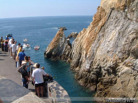 World Famous Cliffs of La Quebrada Tour By Van Acapulco - Save Up to 50% in Tours & Excursions in Acapulco!!