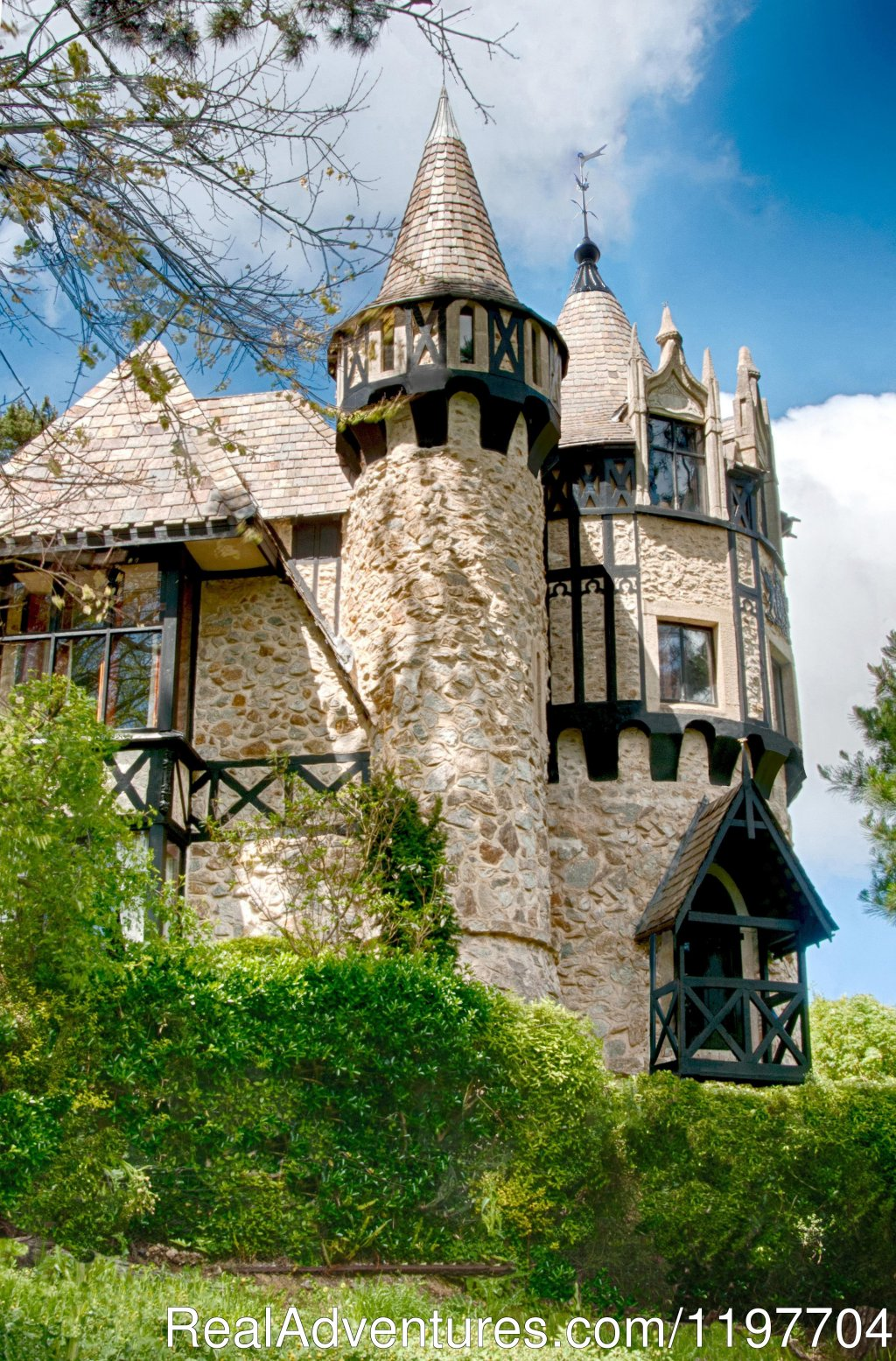 Thorngrove Manor western tower | Image #3/11 | Romantic  Escapism at Thorngrove Manor Hotel