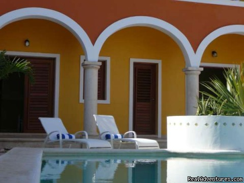 Bed & Breakfast Merida Santiago - the pool sunbeds | Image #14/14 | Hotel Merida Santiago in Merida Downtown