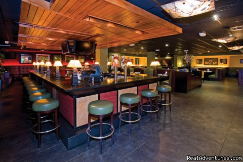 Houlihan's Sports Bar - Holiday Inn San Francisco International Airport