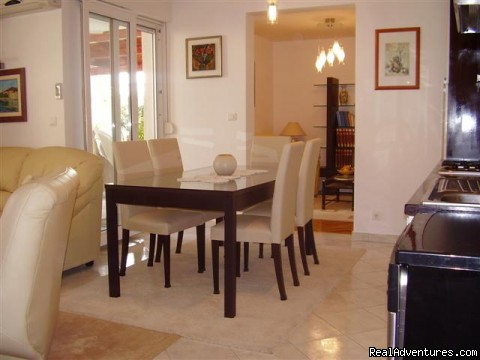 Dining area in the apartment - Lux apartment with private garden close the beach