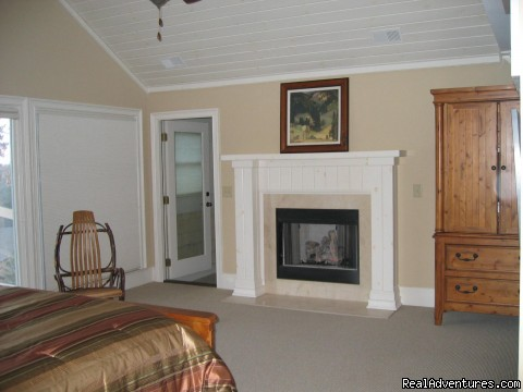 Upstairs Master King Suite with Gas Fireplace & Sitting Room - Bear's Den Luxury Home Rental in Big Canoe