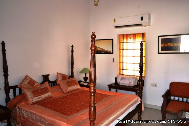 Deluxe Double Room- King Bed - Suryaa Villa (A Heritage Home)