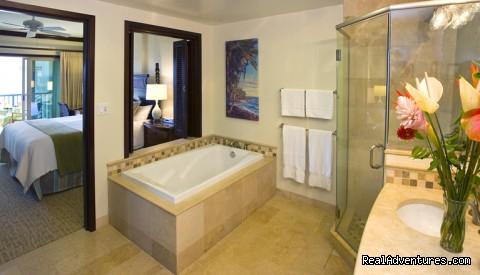 King Master Bathroom - Guests Rave about Us See Why Resort+Snorkel Gear