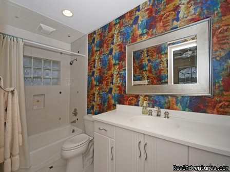 2nd Fl Bathroom - Luxury Sorrento Beach Villa! Spa & Pool! 50'' TV!
