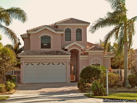 Luxury Sorrento Beach Villa! Spa & Pool! 50'' TV! Naples, Florida Vacation Rentals
