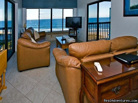- Oceanfront Penthouse, Pools, Jacuzzi, WiFi & Hdtv