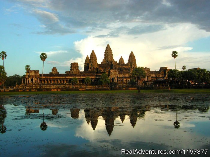 Cycling tours to explore Angkor Wat, Cambodia | Image #5/10 | Cycling to Coastal Cambodia 8 days