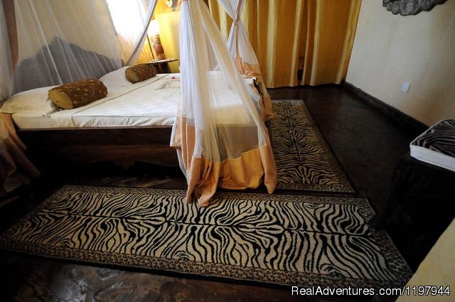 Library (#17 of 26) - Kenya Charming Villas
