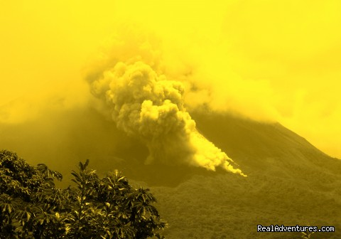 Arenal Volcano eruption - Essence Arenal Boutique Hostel