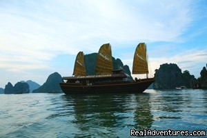 Cruide on Halong bay - VIETNAM TOUR- HANOI CITY- HA LONG BAY ,3days