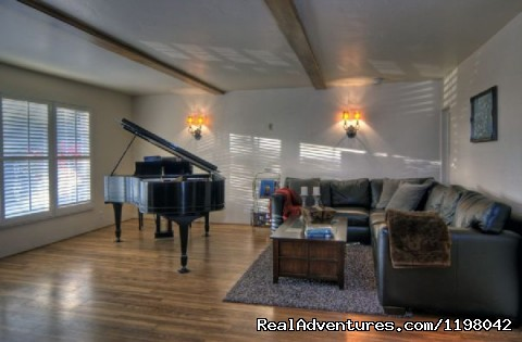 Ocean View Piano and TV Room - Ocean Vacation Rental: Stunning Estate with Pool