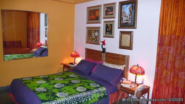 Image #4 of 10 - Casa Lunass En El Centro De La Habana