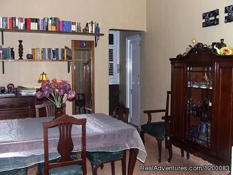 Image #5 of 10 - Casa Lunass En El Centro De La Habana